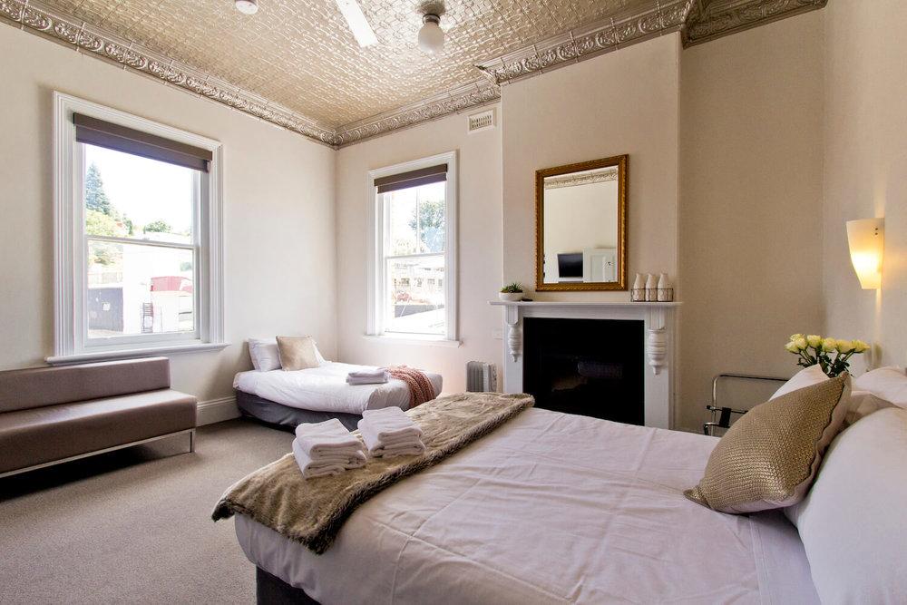 Triple Accommodation | Deloraine hotel