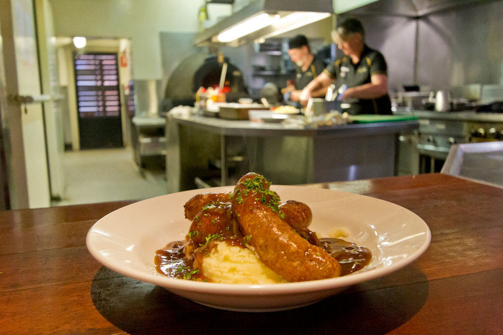 Bangers and Mash Tasmania | Deloraine Hotel