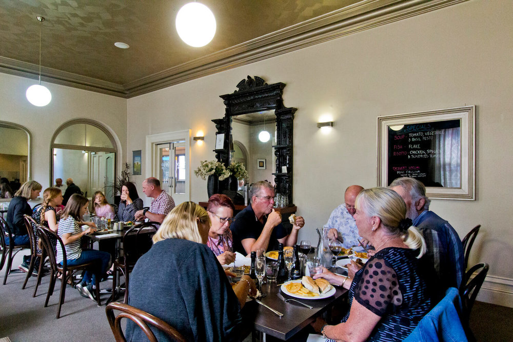 Restaurant Tasmania   Deloraine Hotel