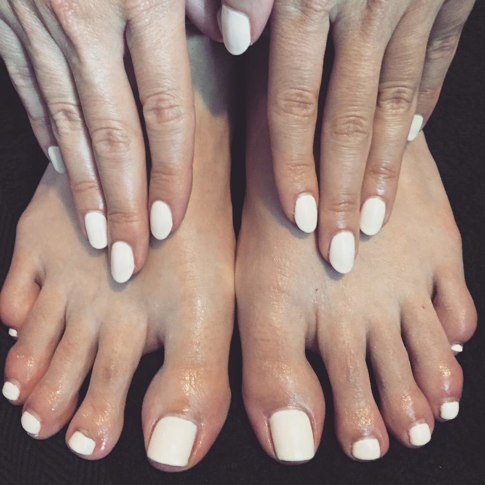 CND Shellac Mani & Pedi - This combined CND Shellac Manicure & Pedicure treatment includes a nail file, buff and cuticle neatening with CND Shellac application in the colours of your choice from our vast selection.£60