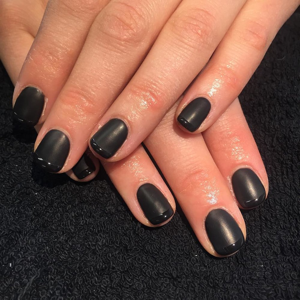 Matte - A special 'matte' (non-gloss) effect top-coat, which can be applied to any CND Shellac colour.£5 extra on any treatmentSelect 'Matte' add-on when completing your booking