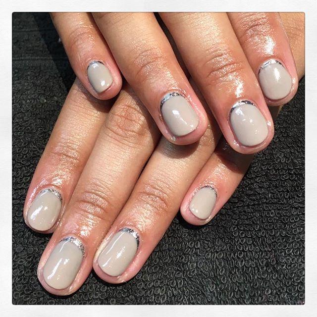 • Metallic Cuffs ✨ created by Chiara • . . . . . . #rachaelandco #londonnails #spitalfields #nails #nailswag #liverpoolstreet #bricklane #Aldgate #nailart #shellac #shellacnails #cnd #nudenails #januarynails #naillife #naillounge
