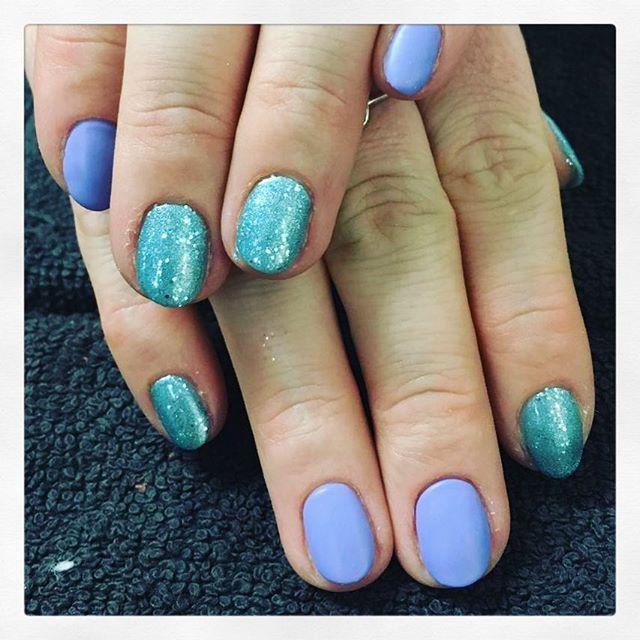 • Mix it up! 🎨 created by Chiara • . . . . #rachaelandco #londonnails #shellacmanicure #spitalfields #aldgate #liverpoolstreet #wisteriahaze #glacialmist #nails #nailart #naillove #nailslondon