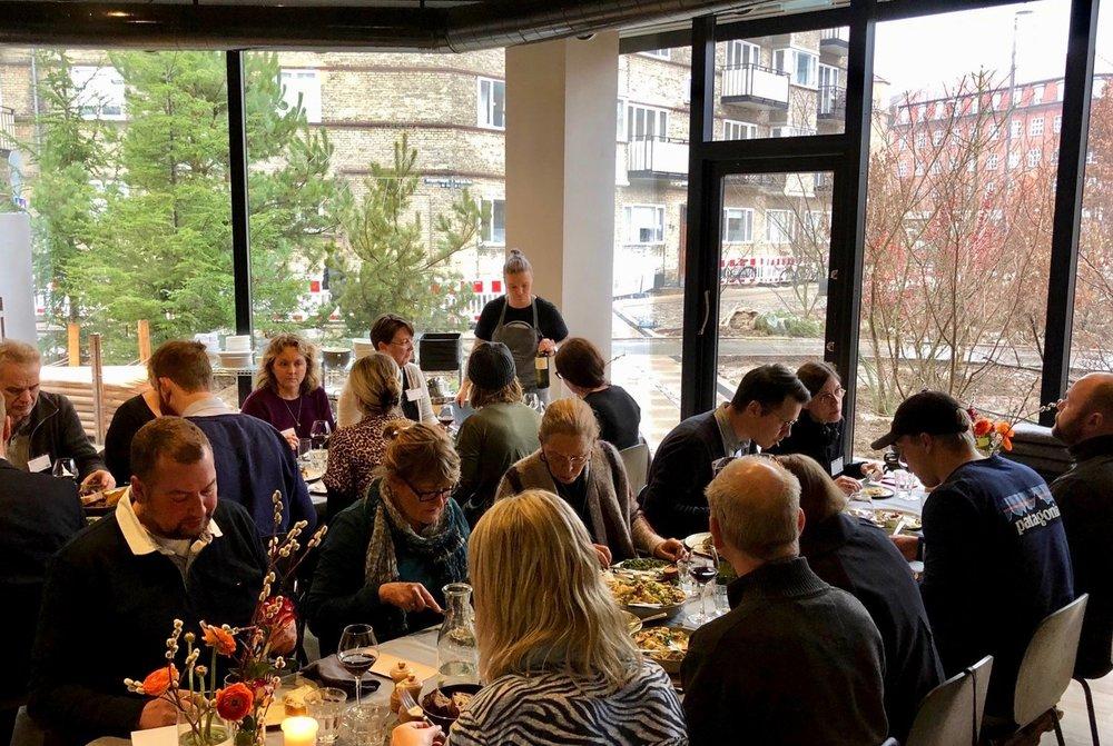 Dagen sluttede med lækre retter på dansk økologisk kanin tilberedt af Hahnemanns Køkkens dygtige hold.