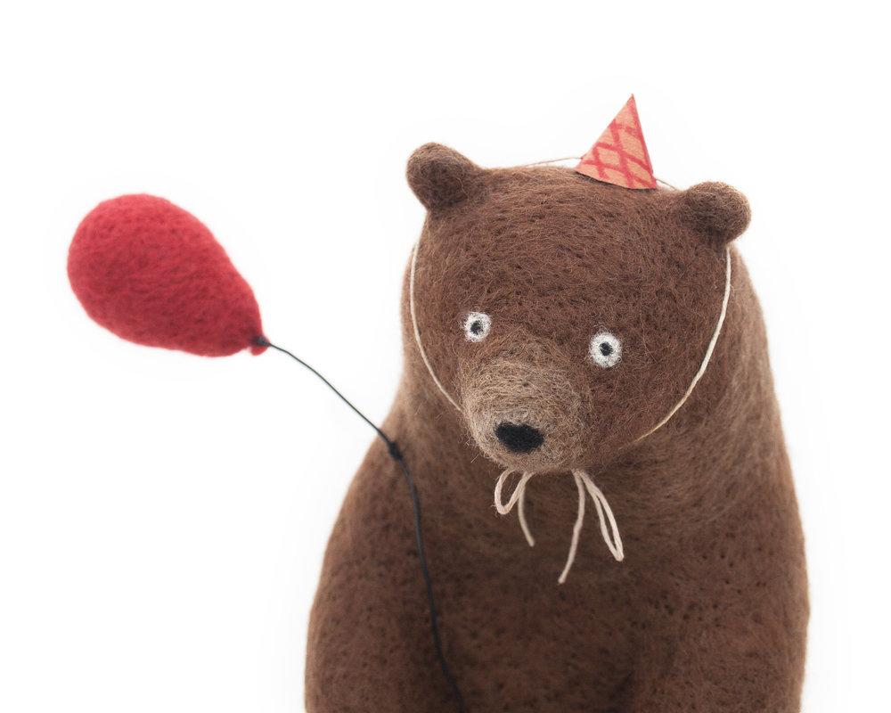 artist-bear.jpg