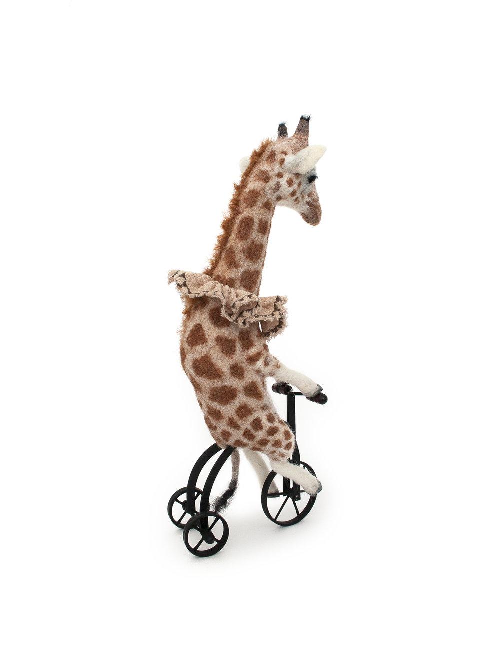 giraffe-sculpture.jpg