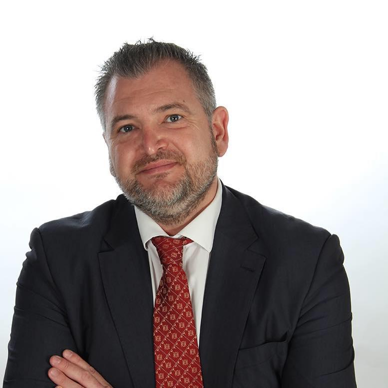 JOSÉ CARLOS LINARES   Senior Regional Director