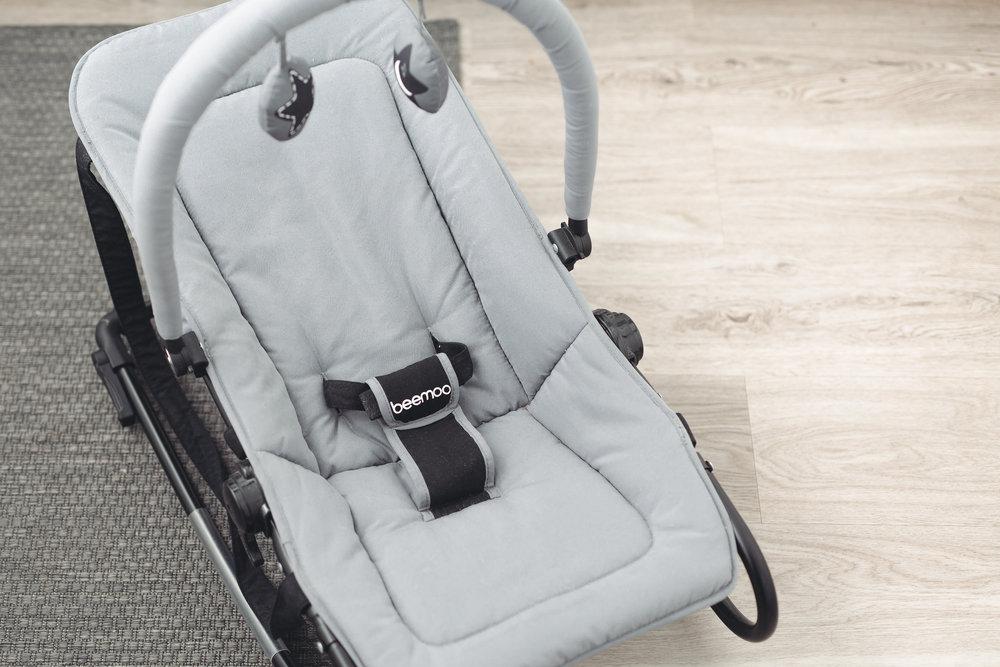 Babysitter oli ihan ensimmäinen ostos jonka ostin vauvalle jo joskus keväällä. Löysin sen kirpputorilta käytettynä