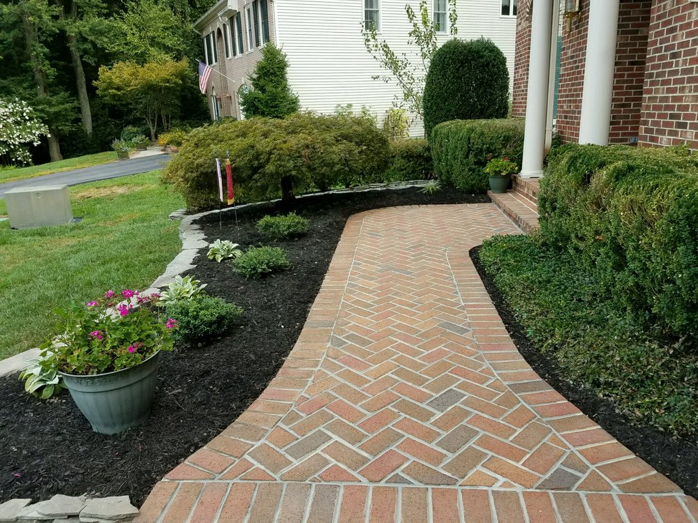 Brick Herringbone Walkway.jpg