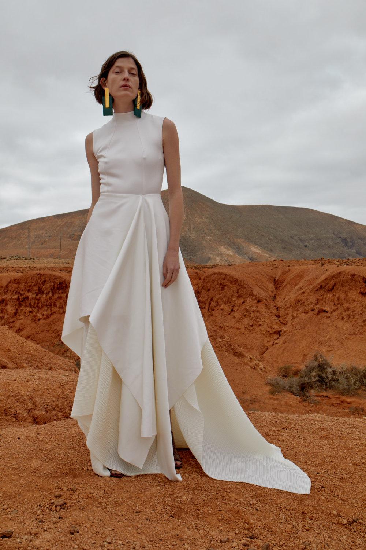 Serafine dress cream.jpg