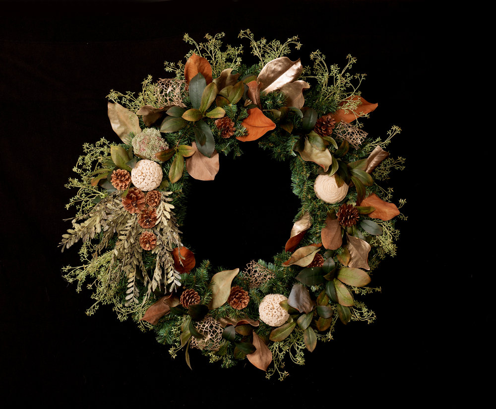Bespoke Wreaths - Whether you're looking for a Christmas wreath, long lasting succulent creations, antique bicycle rims, or whiskey barrel rings we have a stand-out selection for you.
