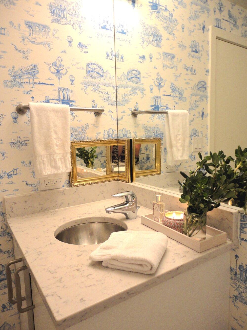bathroomToile.JPG