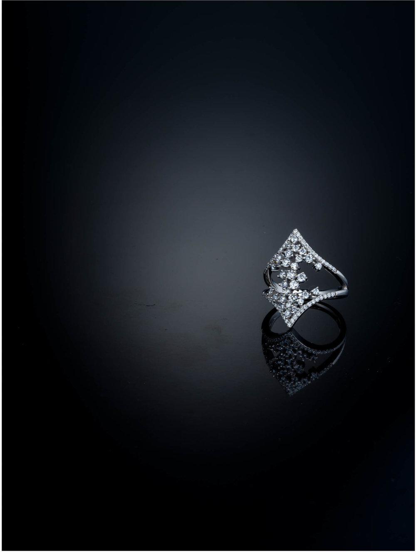 JD_MD2018_GAE_Scat+Diamonds_Ring+Only.jpg