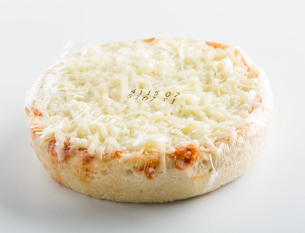 DiGiorno Deep Dish Cheese in Plastic_0319.jpg