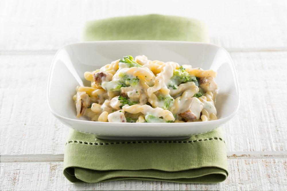 Chicken Gamelli Alfredo+Broccoli.jpg