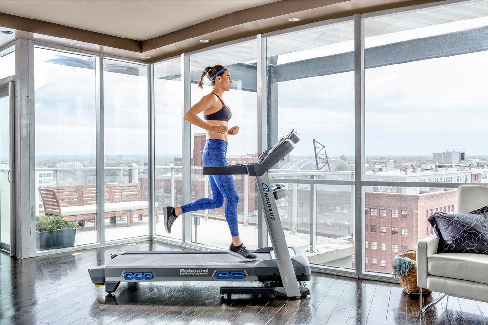 Nautilus_Direct_116488_T618 Treadmill Profile Alex-149.jpg