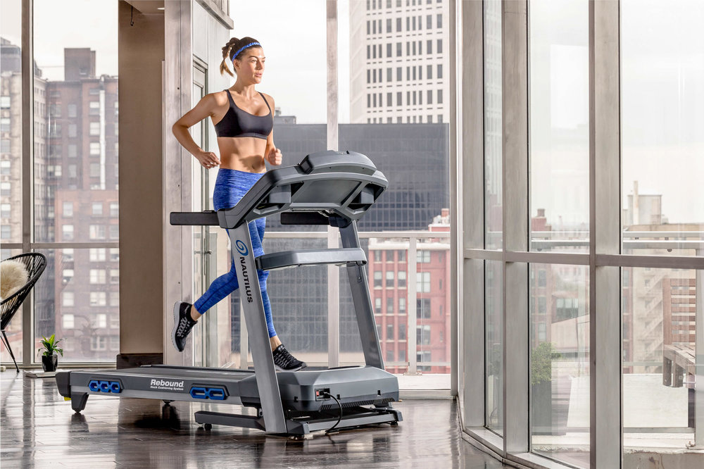 Nautilus_Direct_116098_T618 Treadmill 3-4 Front Alex-202 copy.jpg