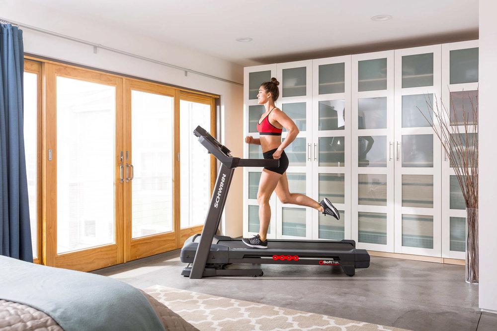 Schwinn Treadmill T830 Profile Julie-0903.jpg