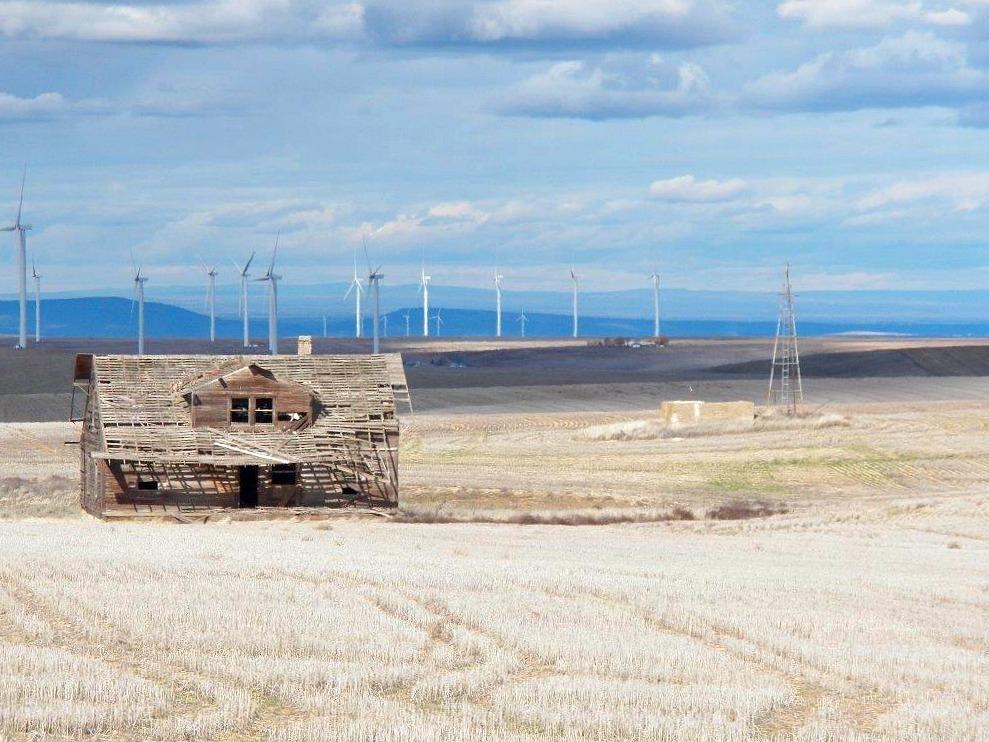 wind-and-ghost-barn.jpg