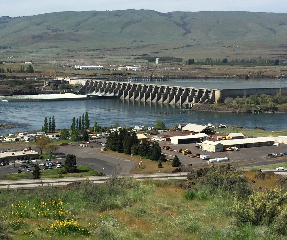 The Dalles Dam , just east of  The Dalles , opened in 1957 after five years of construction.