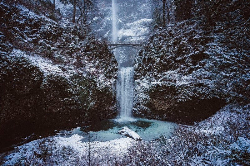 Multnomah Falls Winter.png