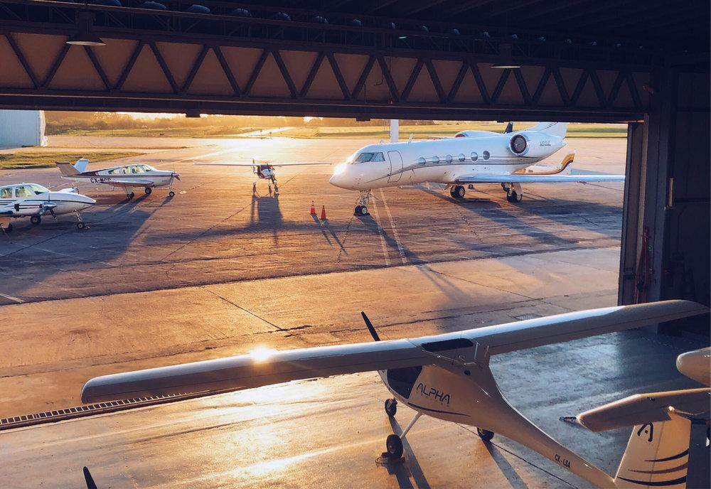 venÍ a conocer la escuela y el hangar con nuestros aviones. - TE CONTAMOS UN POCO MÁS ACERCA DE LOS CURSOS Y SERVICIOS DE -DEL VIENTO AVIATION- URUGUAY