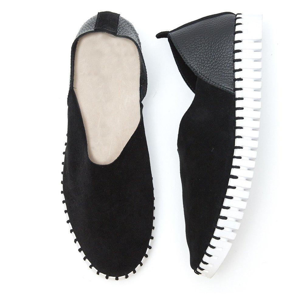 bendy_shoe-black-tip_view_copy.jpg