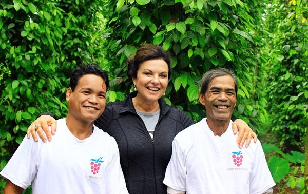 Heidi-Kuhn-Roots-of-Peace-Vientman-farmers-smiles.jpg