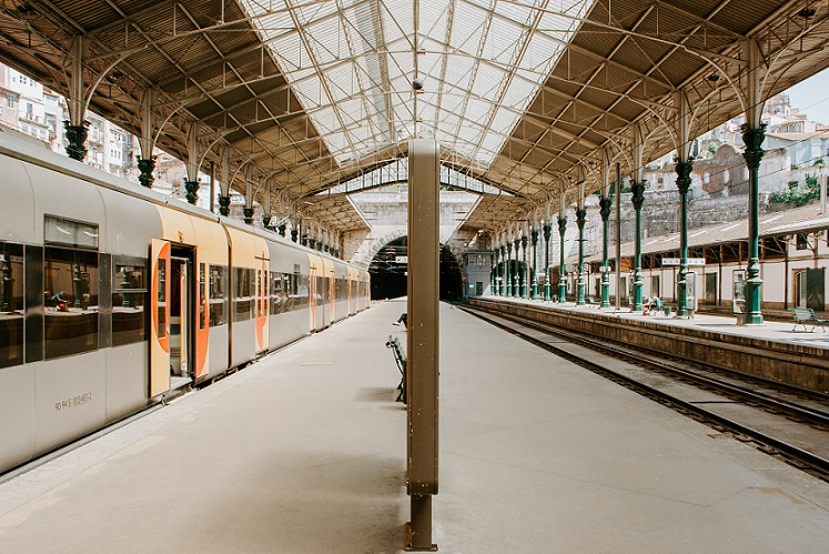 windsor-tour-vic-train-station.jpg