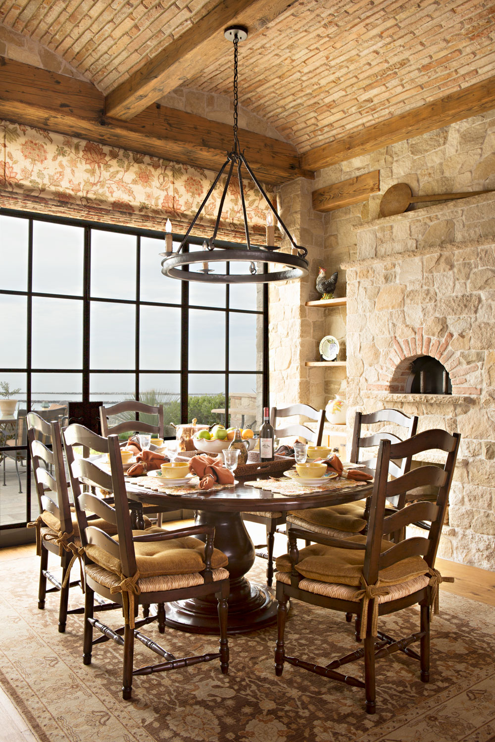Tuscan-Mediterranean-Breakfast-Room-Stone-Ways-Barrel-Vaulted-Ceiling-corbin-reeves.jpg