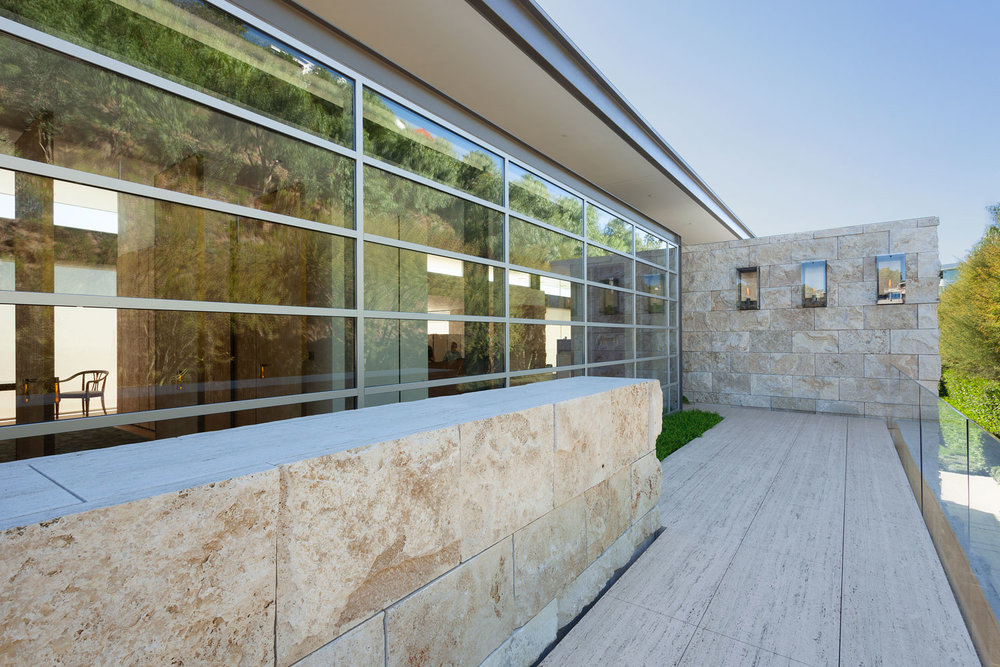 11-CorbinReeves-walkway-exterior-windows.jpg