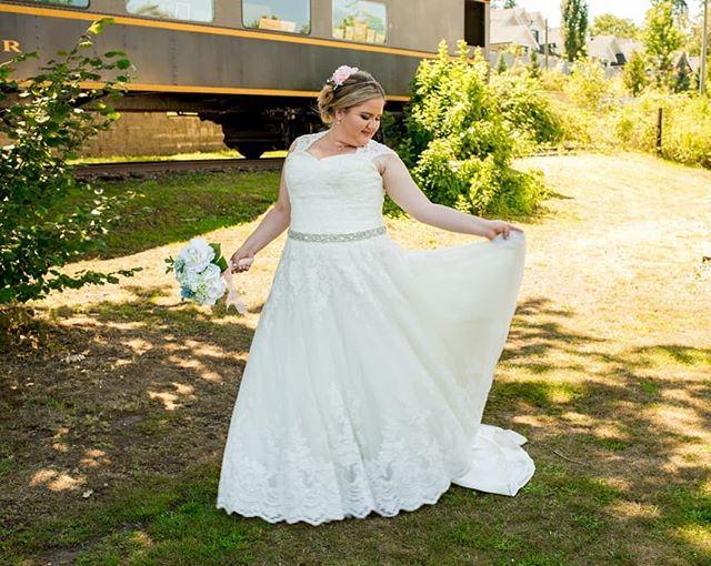 Isn't she lovely...// - - - #weddingchicks #wedventuremag #weddingday #bridal #adventurebrides #adventurouslovestories #weddinging #weddingphotography #lovefolk #heyheyhellomay #shootandshare #westcoastbestcoast #westcoastwedding #vancouverweddingphotographer #surreywedding #langleywedding #langleyweddingphotography #brideandgroom #vancouverweddings
