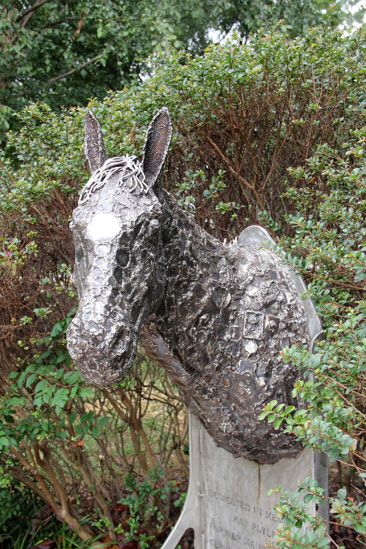 horse sculpture.jpg