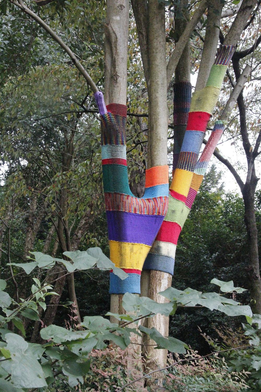yarn bomb3.jpg