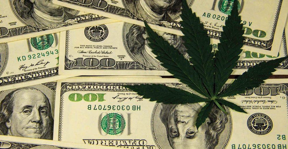 cannabis-investment-GettyImages-802172464-1540.jpg