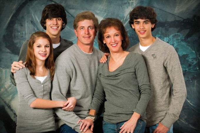 Family photo resized.jpg