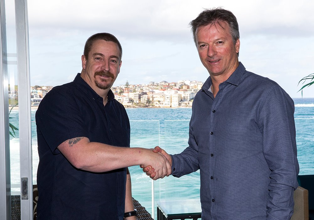 Shane Walker meeting Steve Waugh ( Ambassador for Canon ) after placing 2nd at the Canon Light Awards.