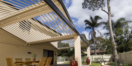 Gabled Roof - A gable roof is most commonly occurring roof shape and Vergola® can be built to match the style and pitch of your home.