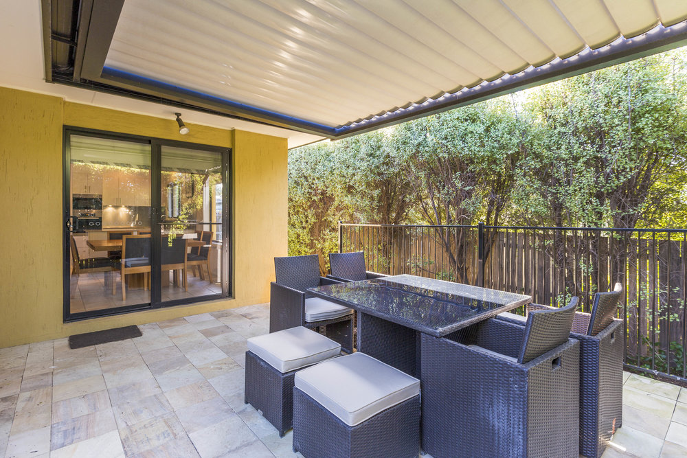 Two Tone - Vergola® can be built with a two tone colour option.Darker frames with lighter louvres to match an existing roof structure or create an indoor feel for your outdoor area