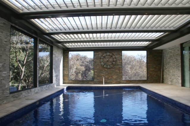 Swimming Pools - Vergola® gives you the ultimate control for your pool area, allowing you to enjoy your swimming pool year round.Vergola® allows you to control the light and air-flow during hot summer months and can also keep the heat in during winter.