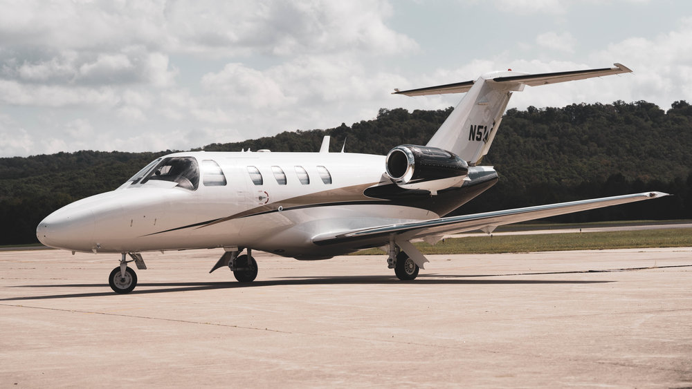 Specifications - MAX SPEED: 400 KnotsMAX PASSENGER: 4MAX RANGE: 1,000 NMMAX CEILING: 41,000 Feet