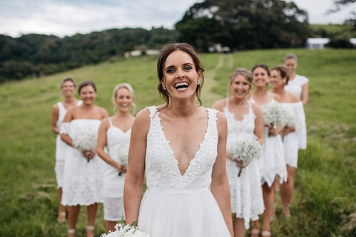 GLAM ON THE GO - Glam On The Go offers their brides glamours Bridal and