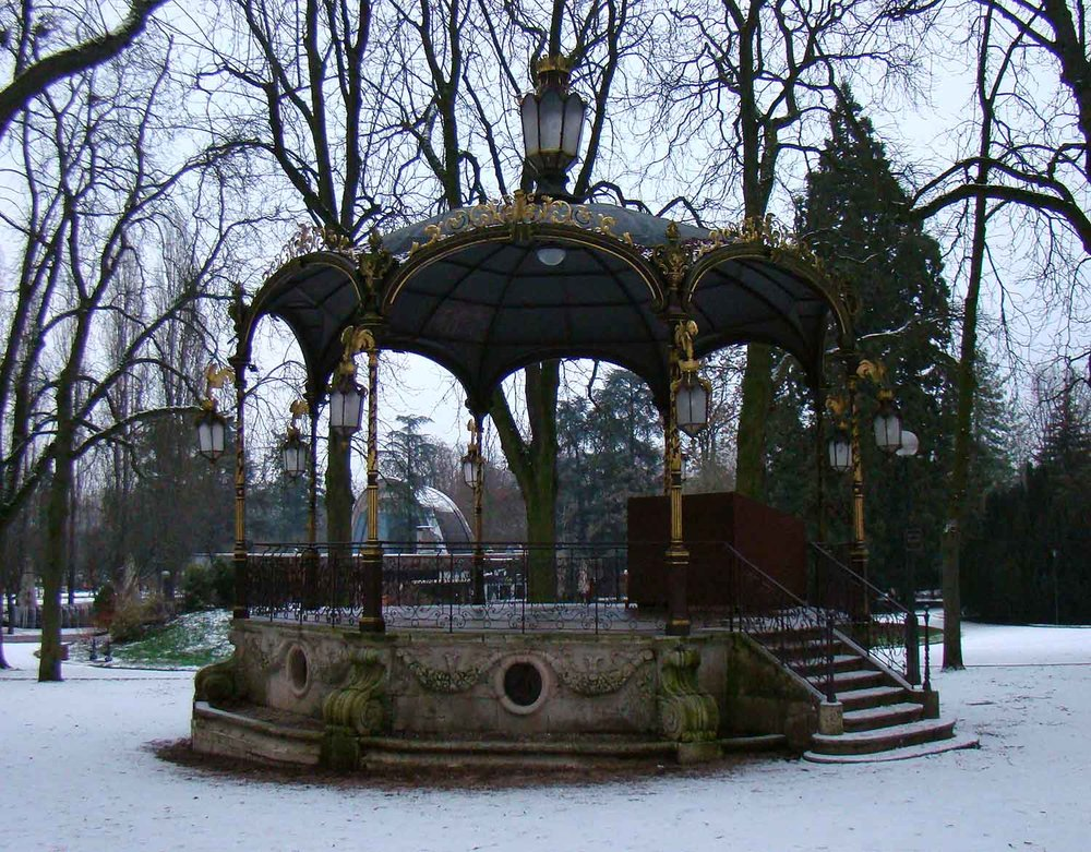 Park-bandstand.jpg