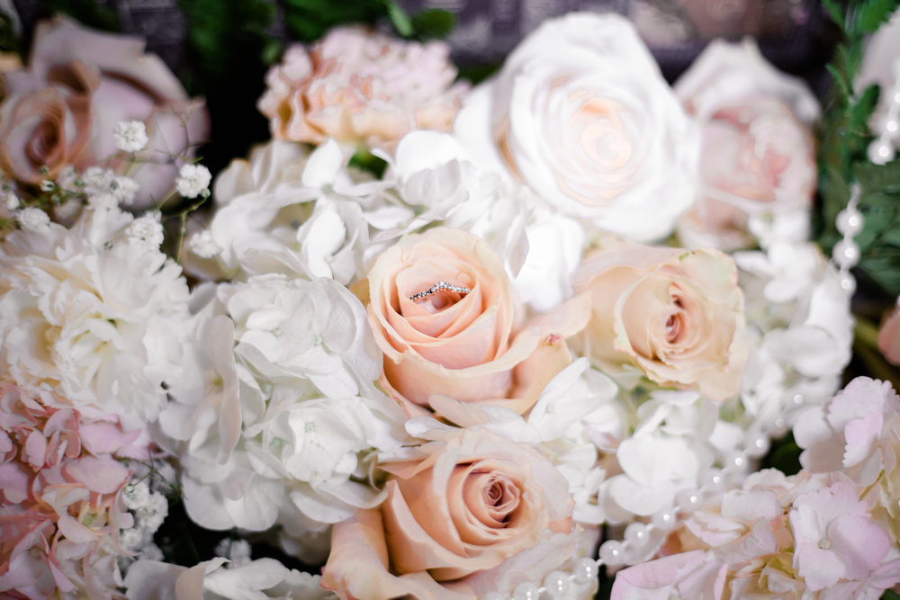 I need an expert planner to guide me through my wedding planning. -