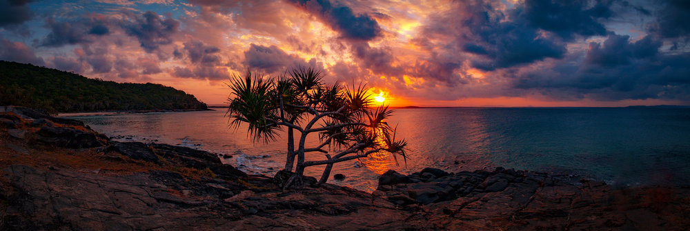 NOOSA HEADS SUNSET - QUEENSLAND