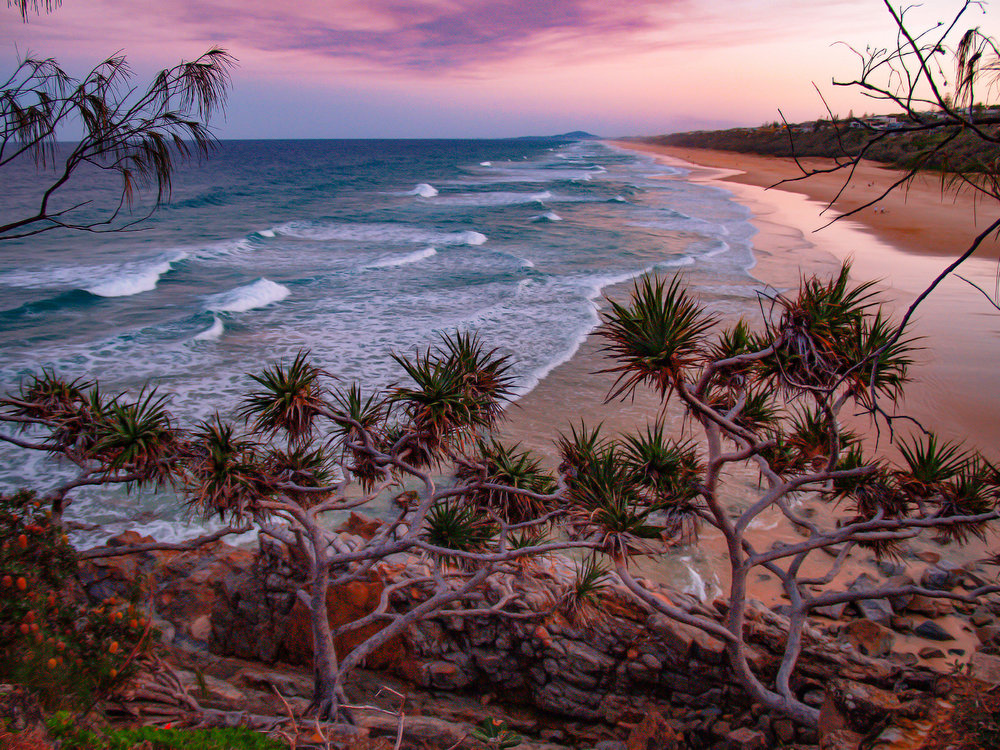 SUNRISE BEACH - QUEENSLAND