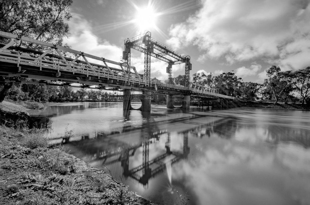 SWAN HILL BRIDGE - VICTORIA