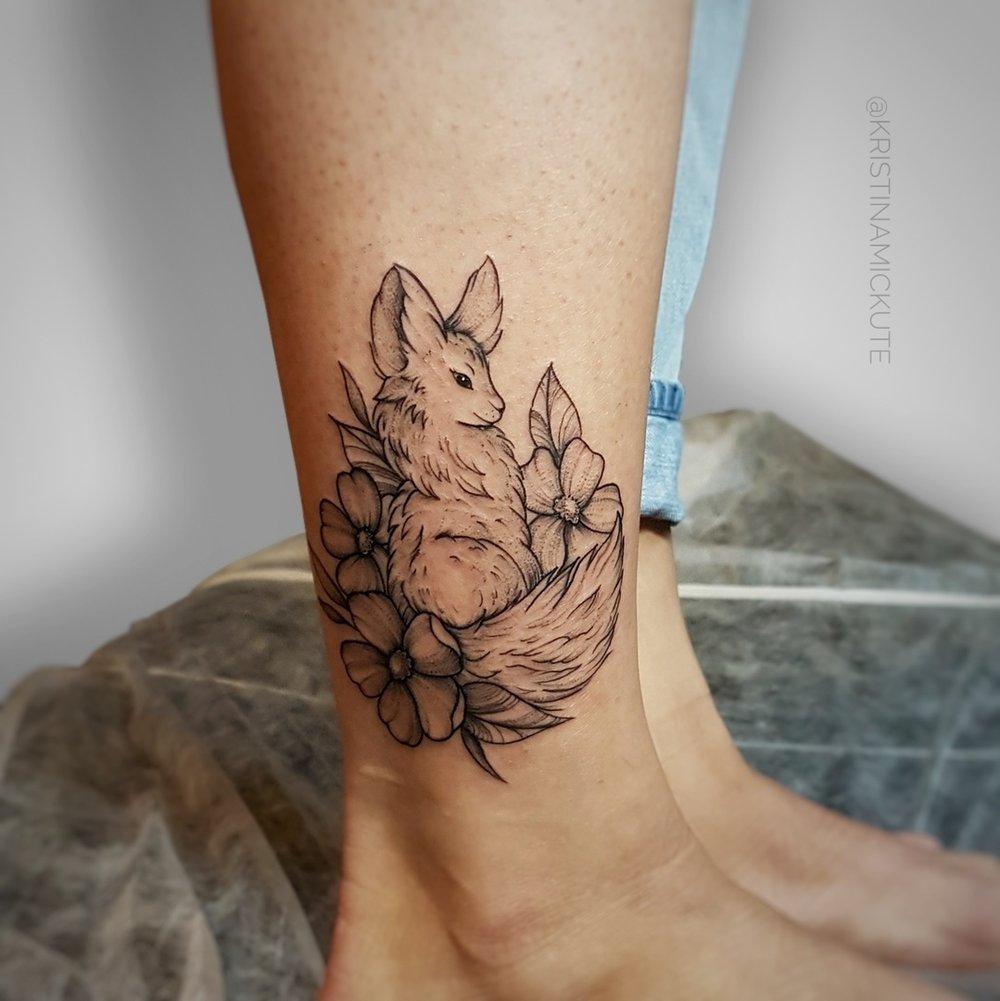 фенёк на ноге,графика,мастер Кристина Мицкуте.jpg