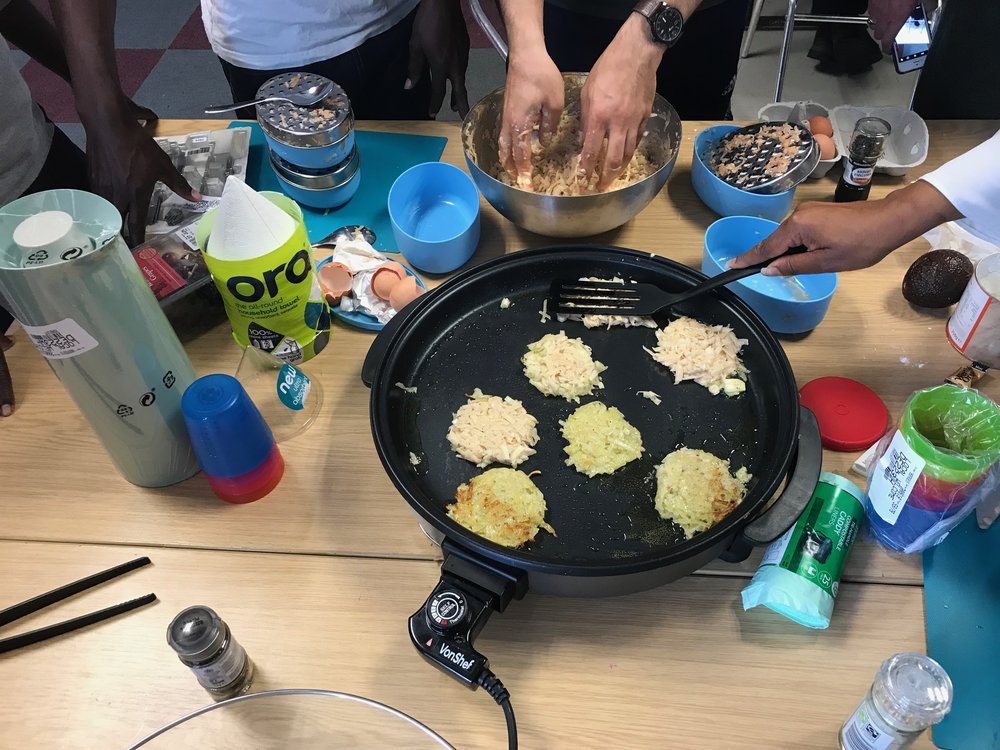 Cook and eat with local people from Derby 🙂👨👩👧👦 -