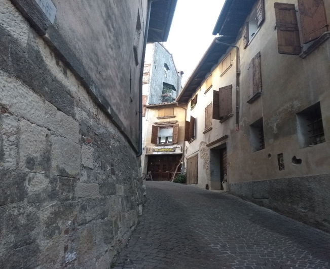 Asolo street.png